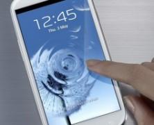 Smartphone, amico inseparabile delle donne